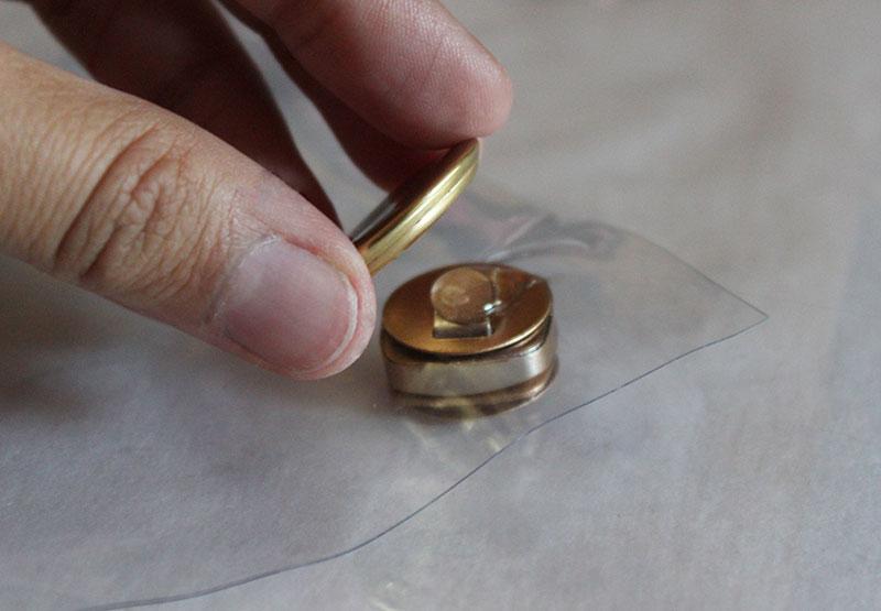 DIY-Clear-Clutch-10