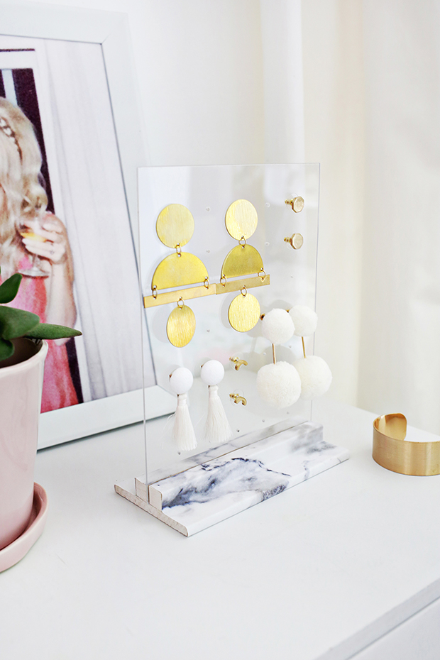 10 DIYS TO HELP YOU GET ORGANIZED IN THE NEW YEAR